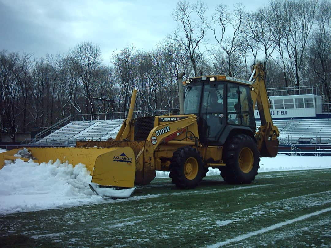 Hilltop Snow Removal – Local University